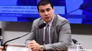 Liderando Frente, Luis Miranda inicia debate da reforma tributária